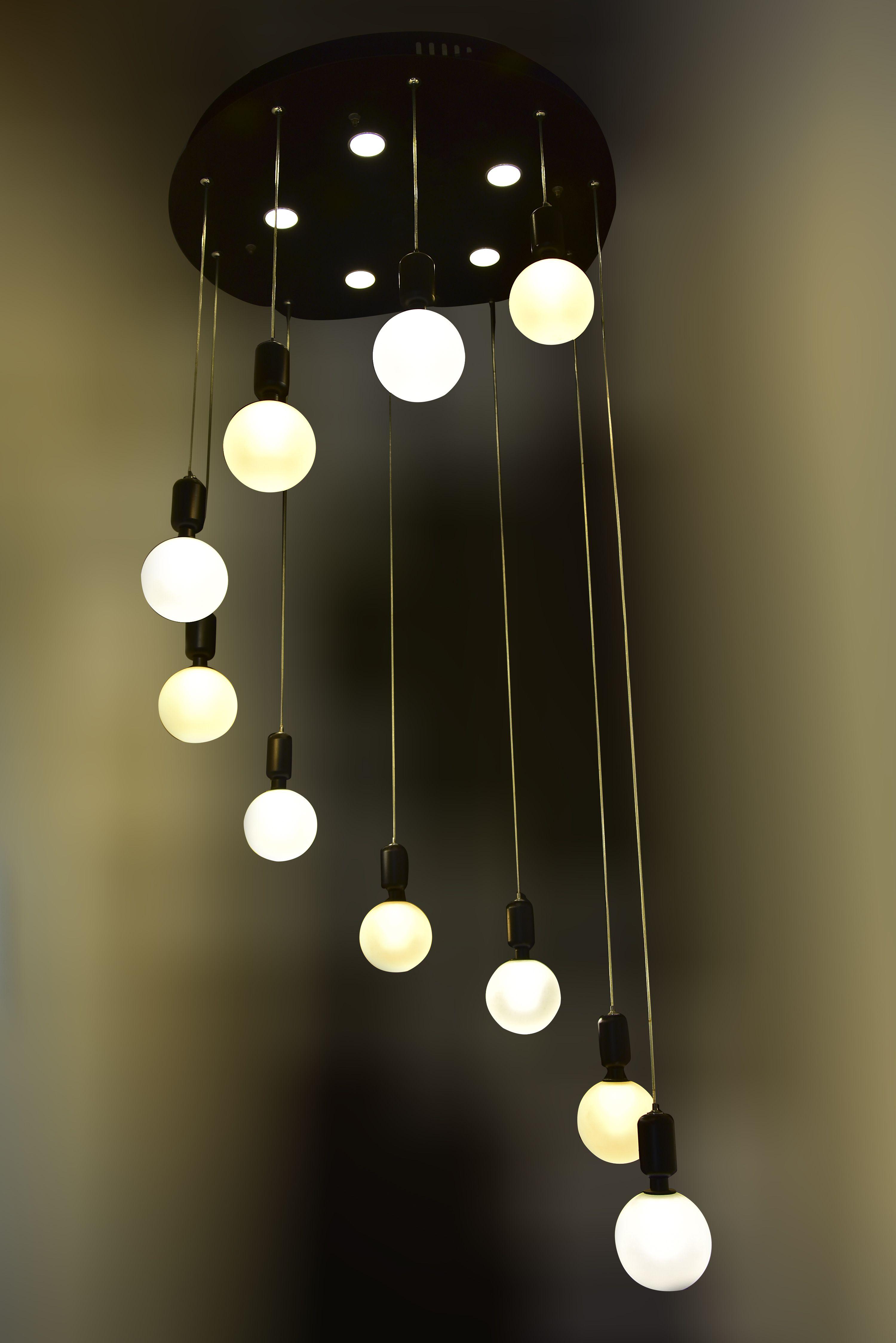Bulb-Design-Hanging